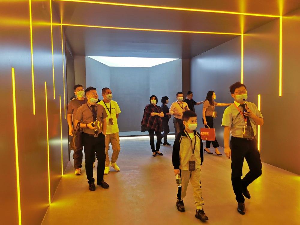 奥华全新9A级三面智能整装展厅