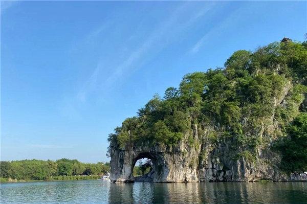 山水相依的桂林